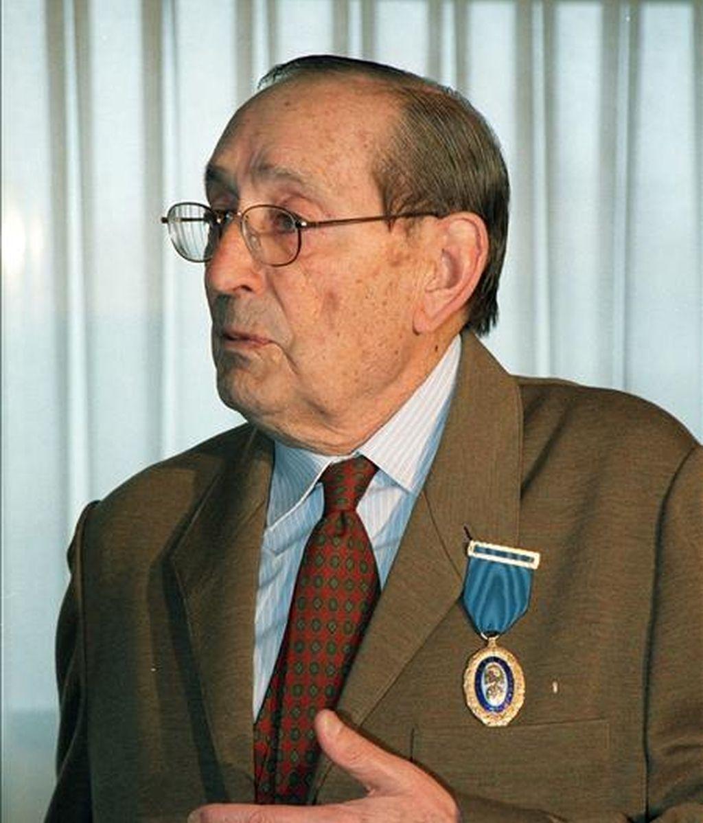 En la imagen, el escritor y periodista Miguel Delibes. EFE/Archivo