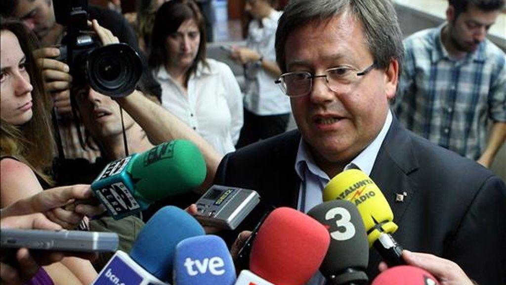 El cuarto teniente de alcalde de Barcelona, Ramón García-Bragado, a quien la Fiscalía acusa de los delitos de prevaricación y falsedad documental. EFE/Archivo