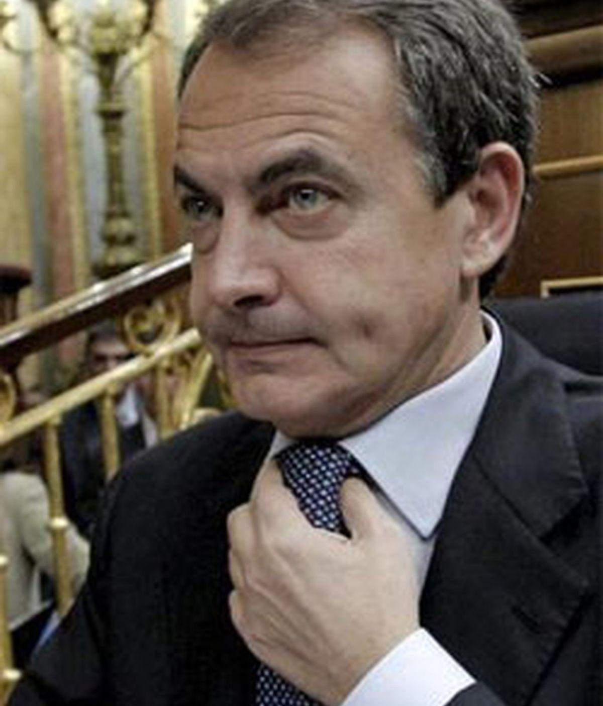 La decisión de José Luis Rodríguez Zapatero de eliminar la prestación de 426 euros para parados sin cobertura ha contribuido también a calmar los mercados. FOTO: EFE