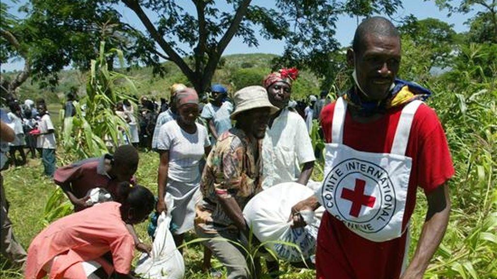 La investigación analiza y evalúa el papel de la Cruz Roja en la región con el objeto de contribuir al desarrollo de esta organización en los países donde está establecida. EFE/Archivo
