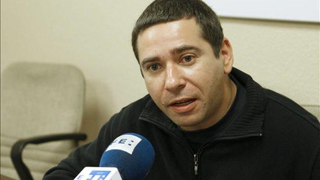 Javier Couso, hermano del cámara de Telecinco José Couso, fallecido en Irak el 8 de abril de 2003, durante las declaraciones que realizó hoy a Efe, en las que opinó que las nuevas revelaciones de los documentos filtrados por Wikileaks y publicados por El País confirman la existencia de indicios de delitos graves, incluso de encubrimiento. EFE
