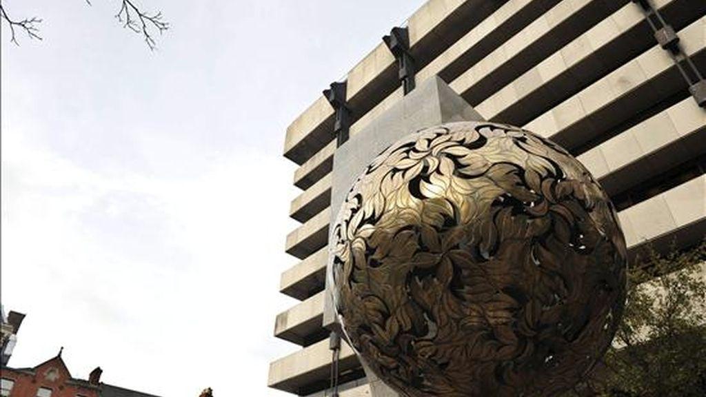 En la imagen, la sede del Banco Central irlandés en Dublin (Irlanda). EFE/Archivo
