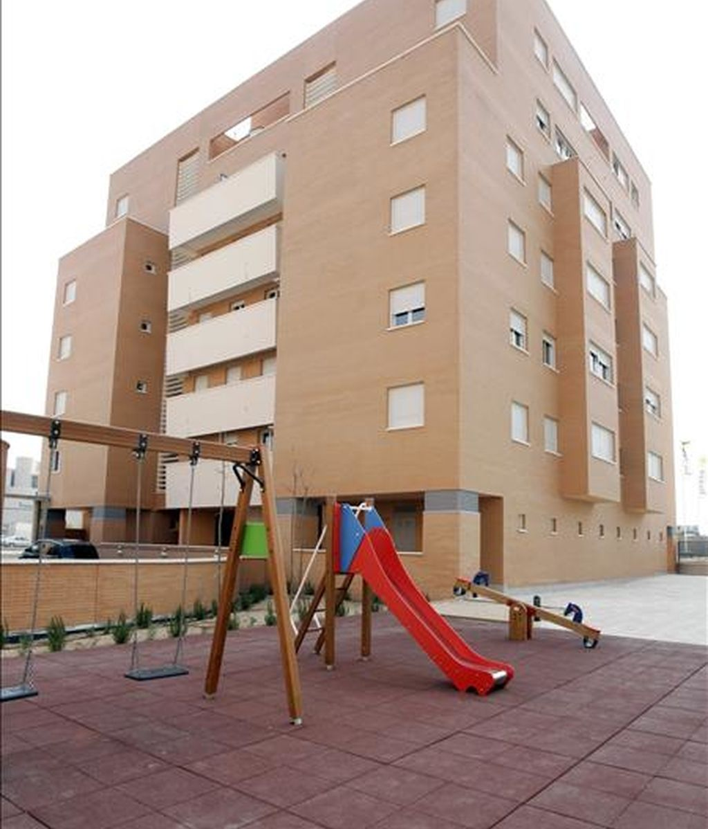En la imagen, un edificio de viviendas. EFE/Archivo