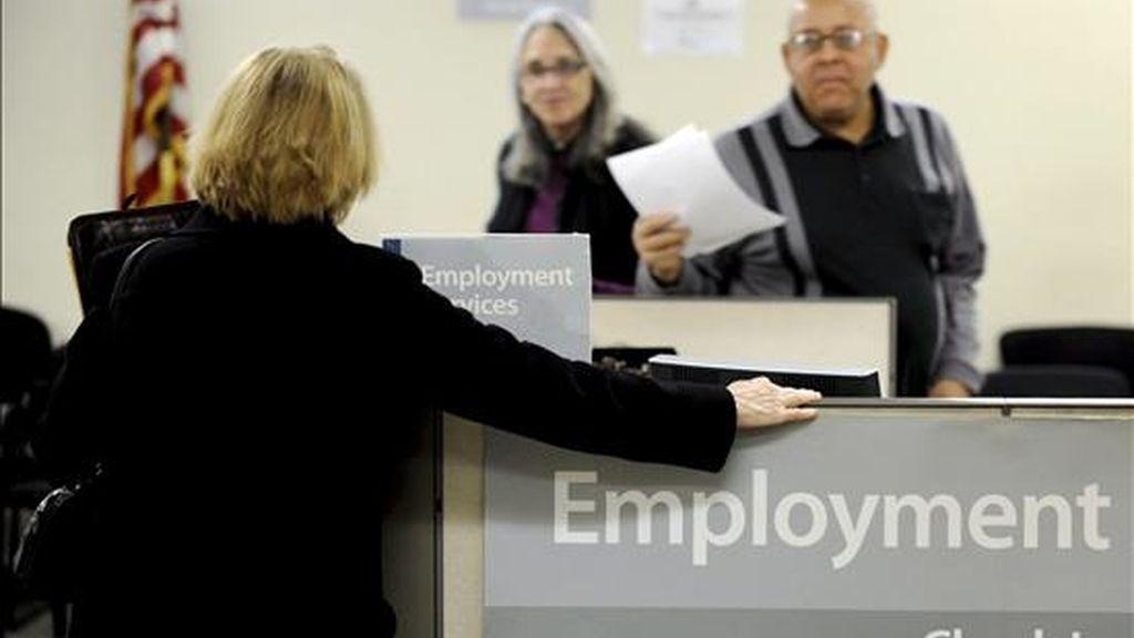 La tasa de desempleo había estado en el 9,6 por ciento durante tres meses consecutivos y la mayoría de los analistas había calculado que sería del 9,7 por ciento en noviembre. EFE/Archivo