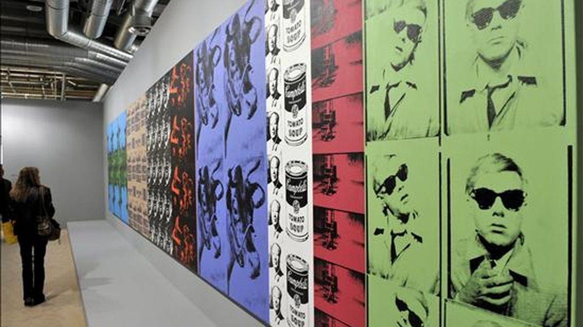 La obra 'Big Retrospective Painting' (1979), del Andy Warhol, en la exposición Art 40 Basel, en Basilea (Suiza). Art 40 Basel presenta obras de más de trescientas galerías de arte punteras de todo el mundo. Las obras de más de 2.500 artistas contemporáneos estarán expuestas entre el 10 y el 14 de junio. EFE