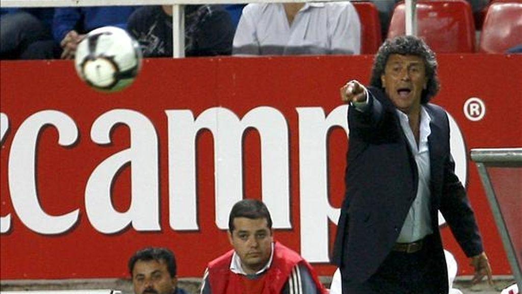 El entrenador argentino Néstor Gorosito, que fuese entrenador la pasada campaña del Xerez Deportivo, viaja desde Argentina para firmar con el Almería. EFE/Archivo