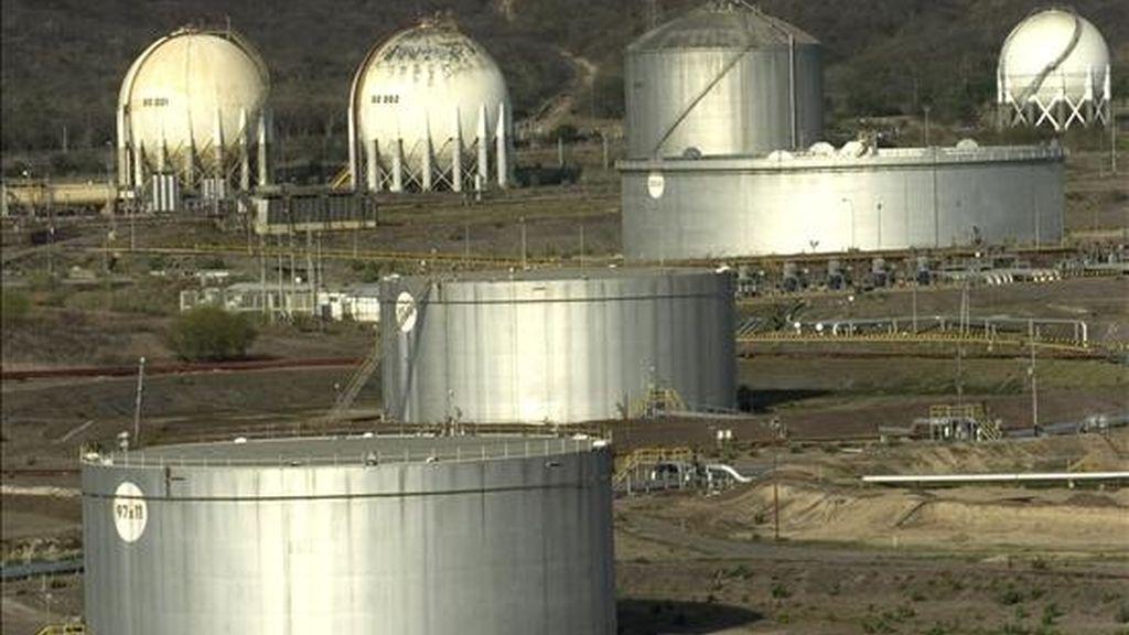 """La petrolera estatal venezolana, PDVSA, destacó que la nacionalización incluía a las """"plantas de manejo de gas que eran operadas por la trasnacional Wilpro"""" de Williams. EFE/Archivo"""