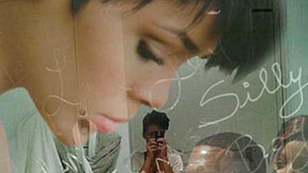 Un vídeo porno amatorial circula en la Red con una supuesta Rihanna como protagonista. La cantante vuelve al centro de las noticias hots poco antes de comparecer en el juicio contra su ex Chris Brown.