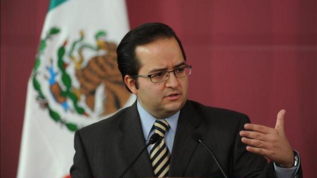 """El portavoz del Consejo de Seguridad Nacional (CSN), Alejandro Poiré, dijo: que por """"la forma en que estos grupos criminales han pretendido proteger su huida"""" es posible que estén en el lugar de los hechos los """"liderazgos del más alto nivel de La Familia Michoacana"""". EFE/Archivo"""