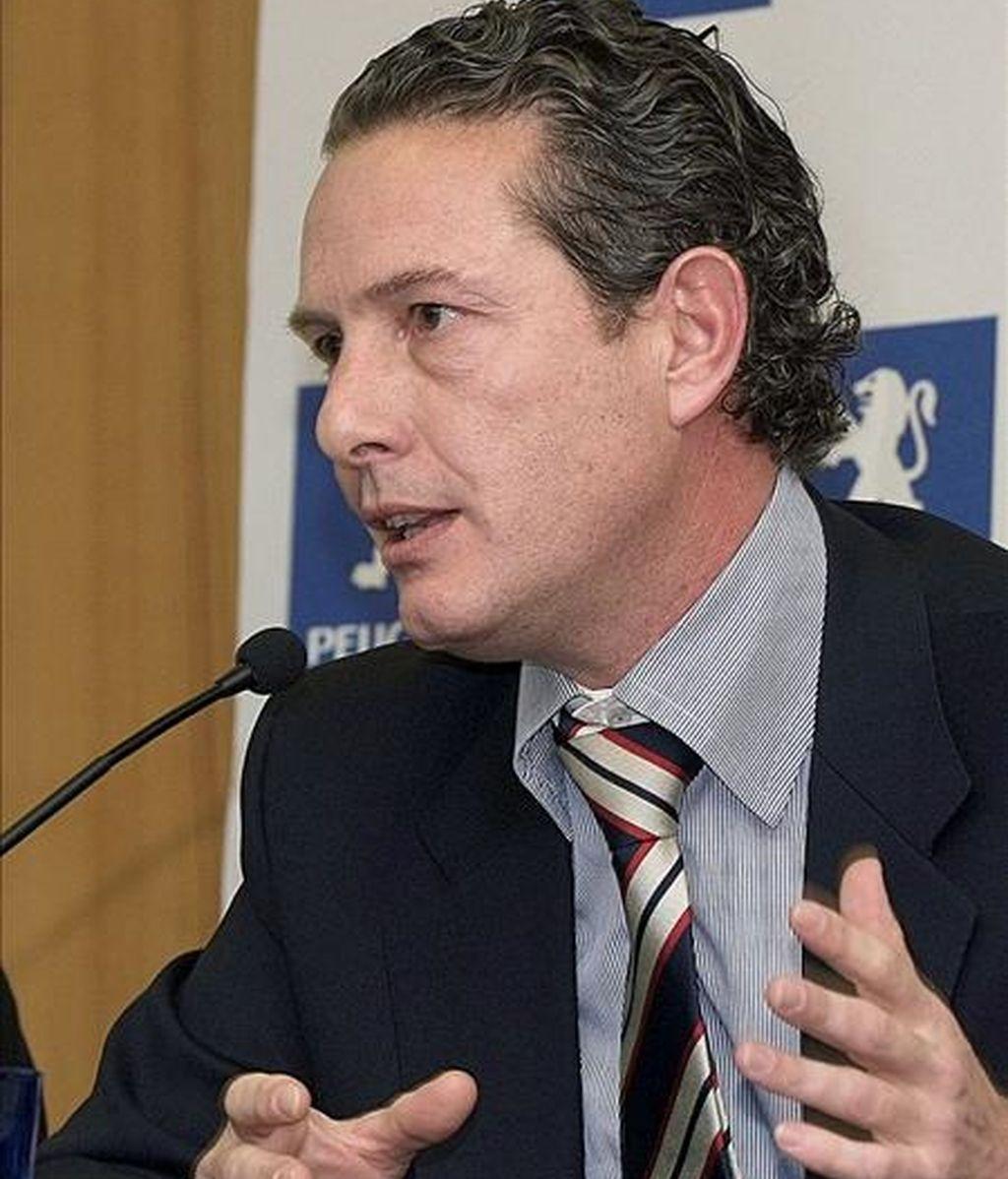 """El consejero delegado y director general de Peugeot España, Rafael Prieto, (en la imagen) criticó el mes pasado """"el calvario burocrático"""" al que les somete el Instituto de Crédito Oficial (ICO) en la tramitación de las ayudas a la venta de vehículos adscritas al Plan VIVE. Hoy ha sido el presidente de la compañía el que ha llamado la atención a los bancos. EFE"""