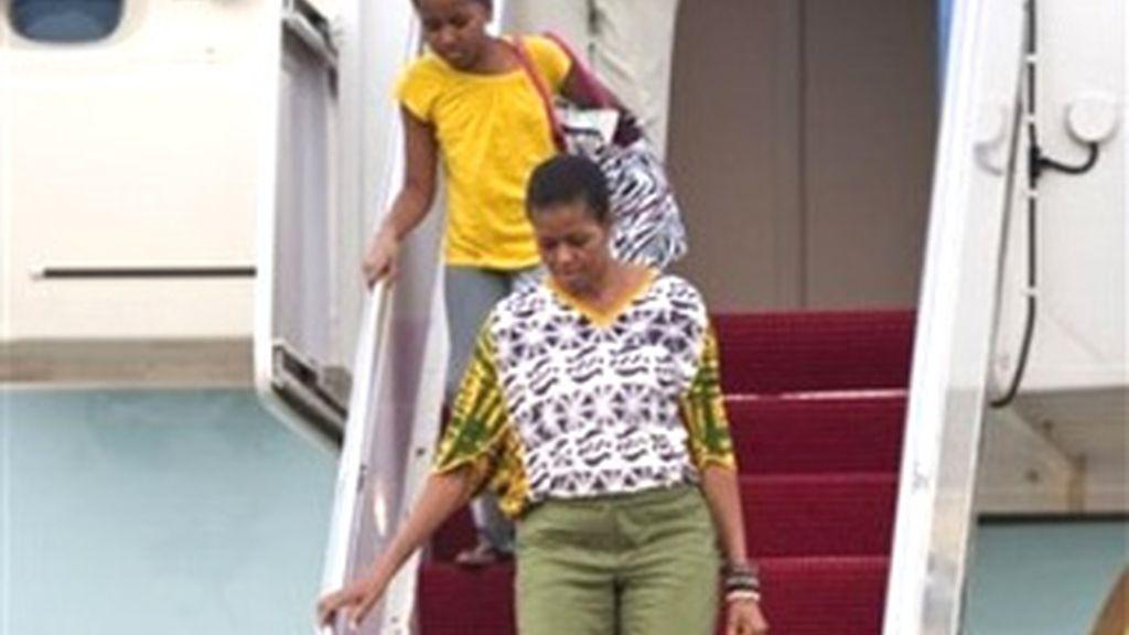 La primera dama de EEUU vendrá acompañada por su hija pequeña Sasha y por un grupo de amigos. Vídeo: Informativos Telecinco.