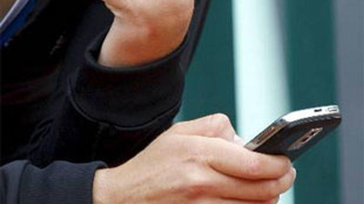 El 81% de los usuarios utiliza la conexión en el teléfono para organizar sus escapadas. Foto:EFE.