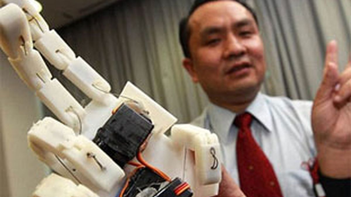 Esta mano permite captar la sensación del tacto a través de la Red. Foto: Chinese University of Hong Kong