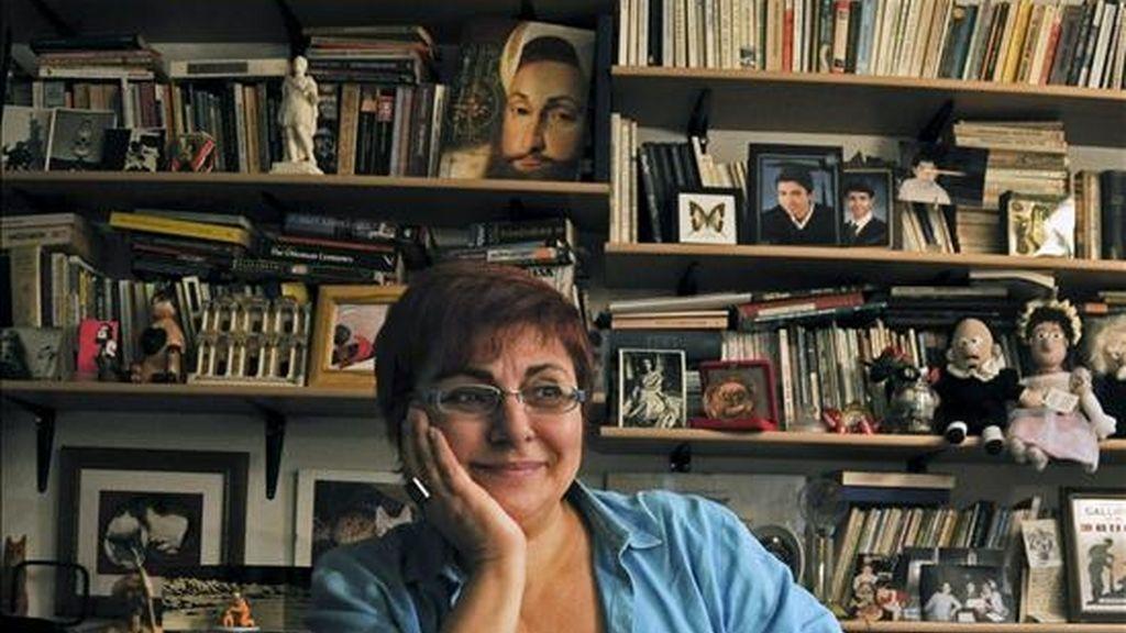 """La escritora turca Buket Uzuner (Ankara, 1955), que acaba de publicar en español su libro """"Gentes de Estambul"""" (Edebé), afirma en una entrevista con Efe que """"sin Estambul, la cultura perdería muchas cosas"""". Uzuner, ha querido mostrar con este libro """"la vida de los estambulíes, y a través de ellos la de los turcos, a comienzos del siglo XXI"""". EFE"""