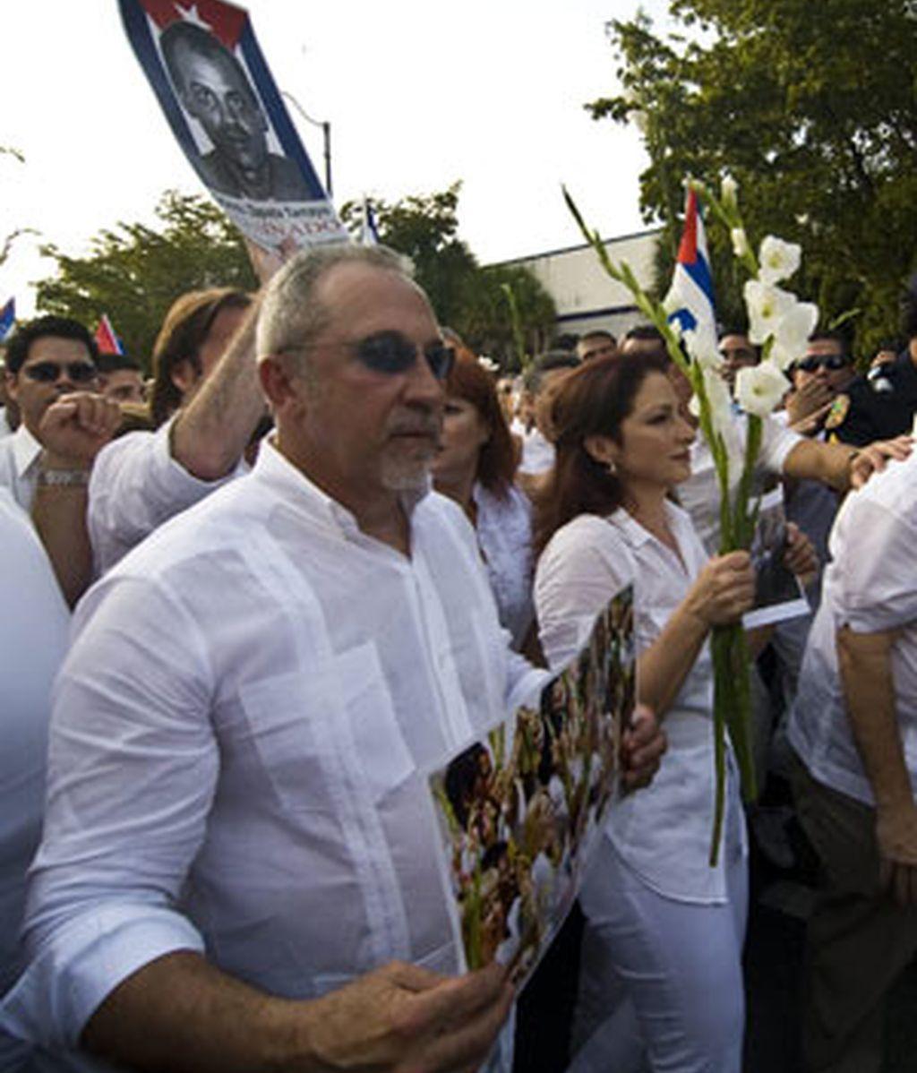 Un momento de la marcha por las Damas de Blanco en Miami. Foto: EFE