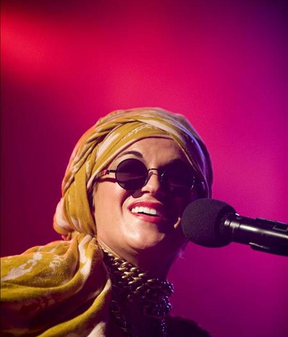 """La cantante estadounidense Melody Gardot, la nueva estrella del jazz vocal, deleitó esta noche sobre el escenario del festival La Mar de Músicas a un público de incondicionales, con la presentación su segundo álbum, """"My one and only thrill"""". EFE"""