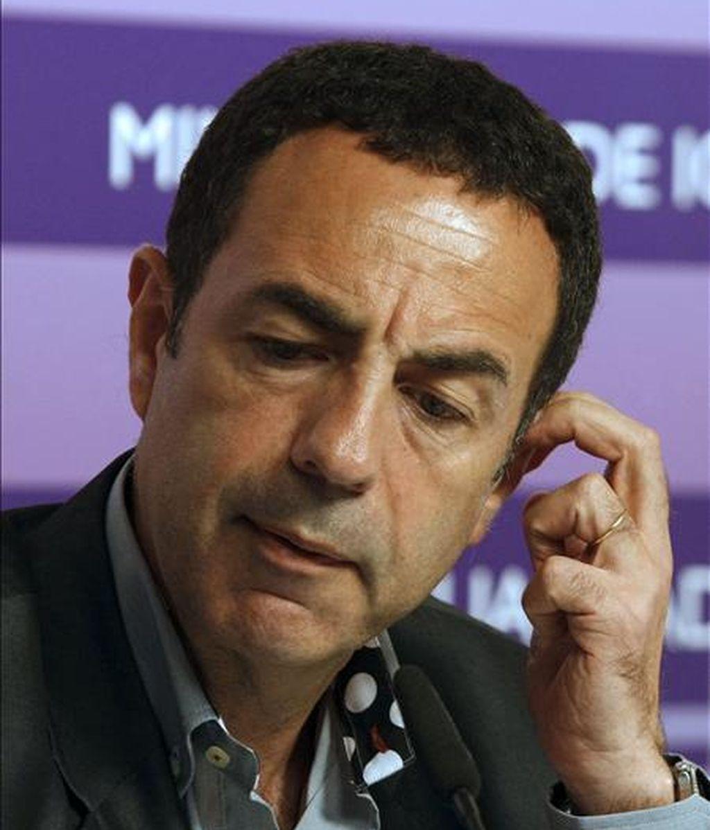 El delegado del Gobierno para la Violencia de Género, Miguel Lorente, durante la presentación hoy en Madrid de un estudio sobre igualdad y prevención de la violencia de género en la adolescencia en el que han participado más de 11.000 estudiantes y 2.700 profesores de las diecisiete comunidades autónomas. EFE