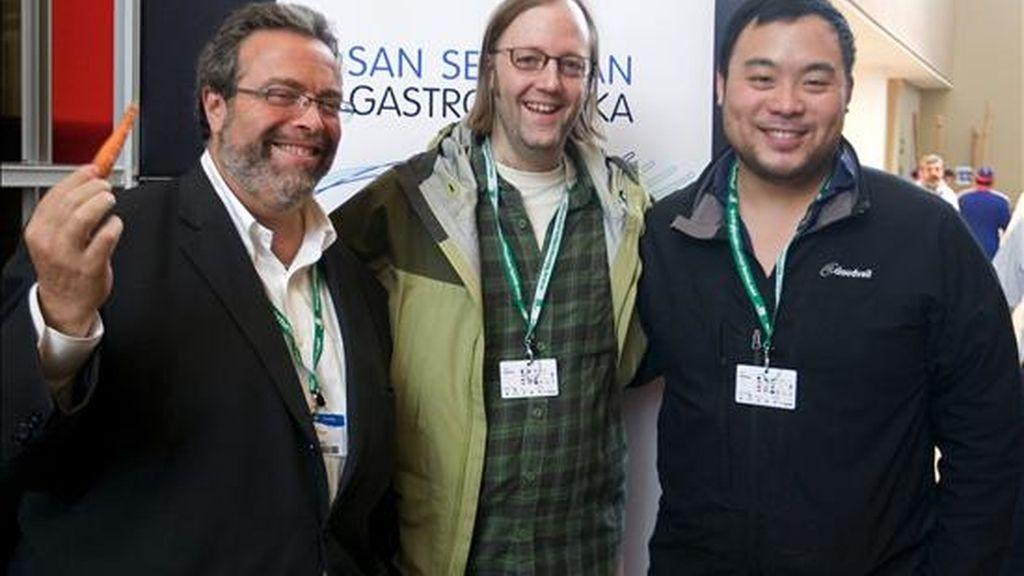 Los famosos restauradores estadounidenses Drew Nieporent (i), David Chang (d) y Wilie Dufresne (c), dutante la inauguración, el pasado domingo 21 de noviembre, de San Sebastián Gastronomika, el congreso internacional de cocina que se celebra en el Kursaal donostiarra. EFE