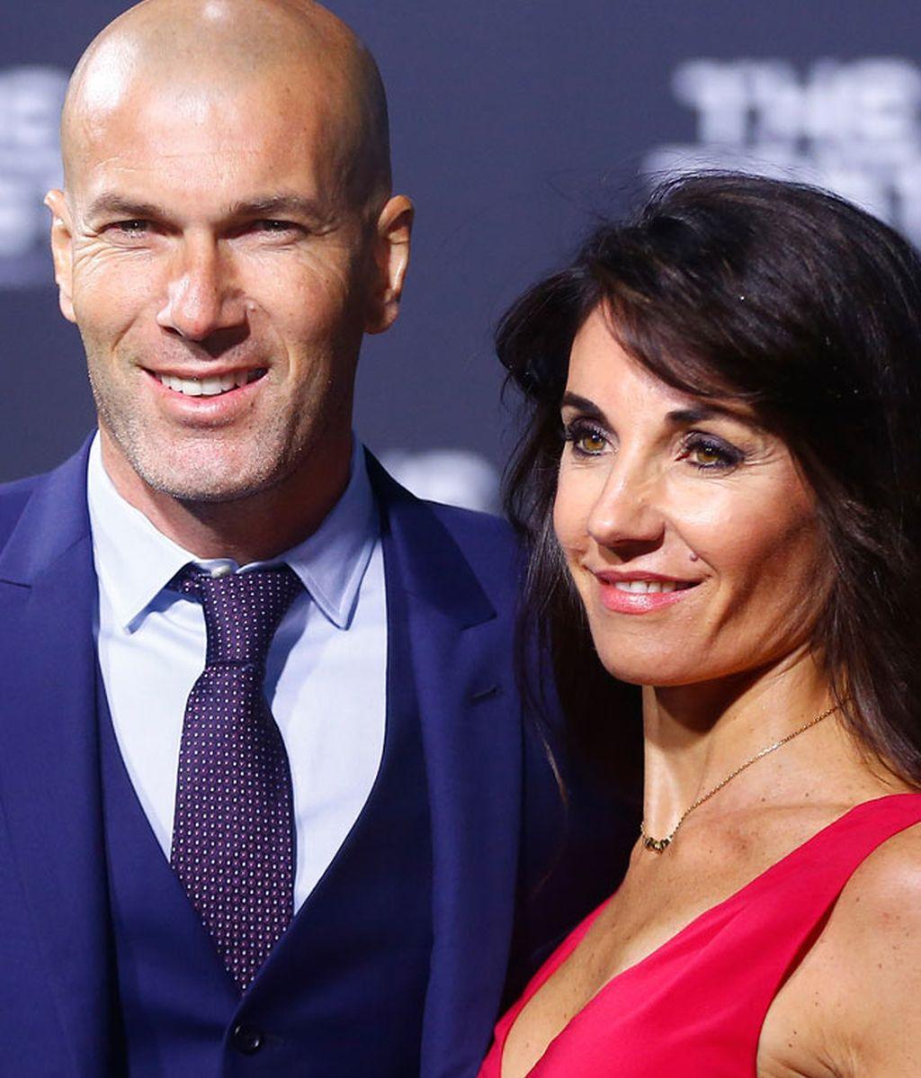 Zinedine Zidane junto a su esposa Véronique Fernández
