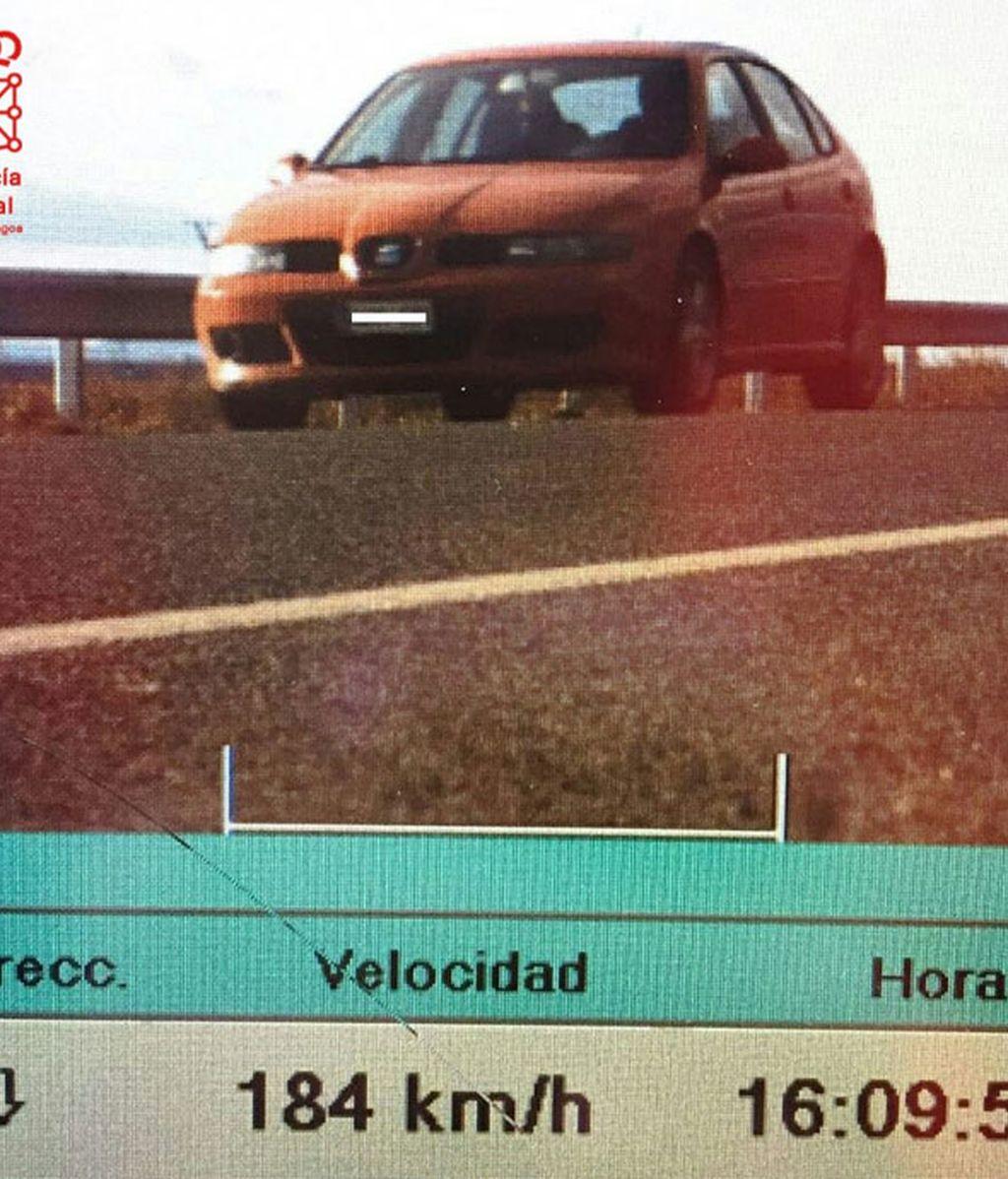 Multado por ir a 184 Km/h en una vía de 90, positivo en dos drogas e ITV caducada