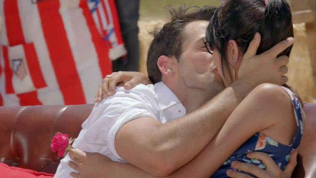 Fin de cita perfecto: ¡El avatar de Baldu y Sonia se funden en un beso!