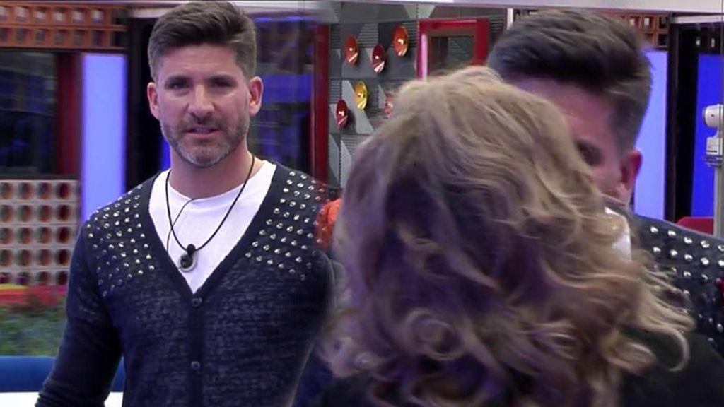 Toño Sanchís se queda descolocado al encontrarse con Terelu Campos en 'GH VIP'