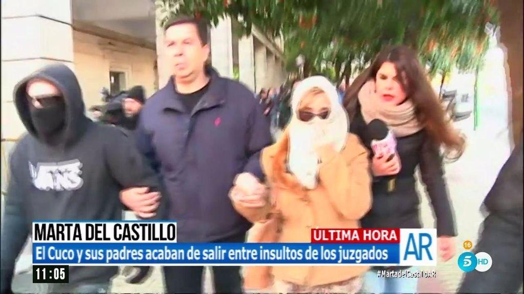 El Cuco y sus padres abandonan el juzgado sin declarar por una salida lateral