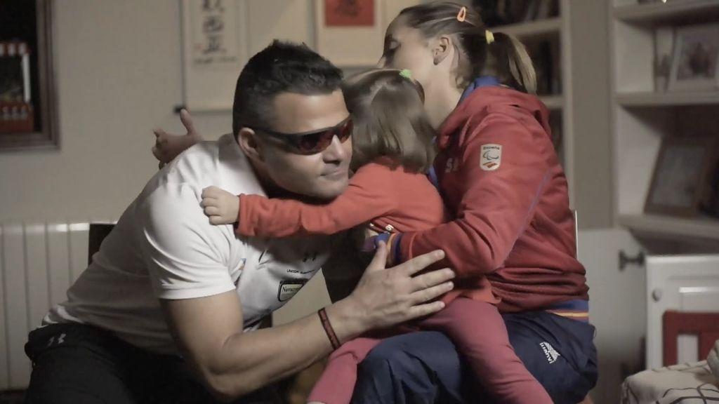 David Casinos explica el motivo por el que no le ha dicho a su hija que es ciego