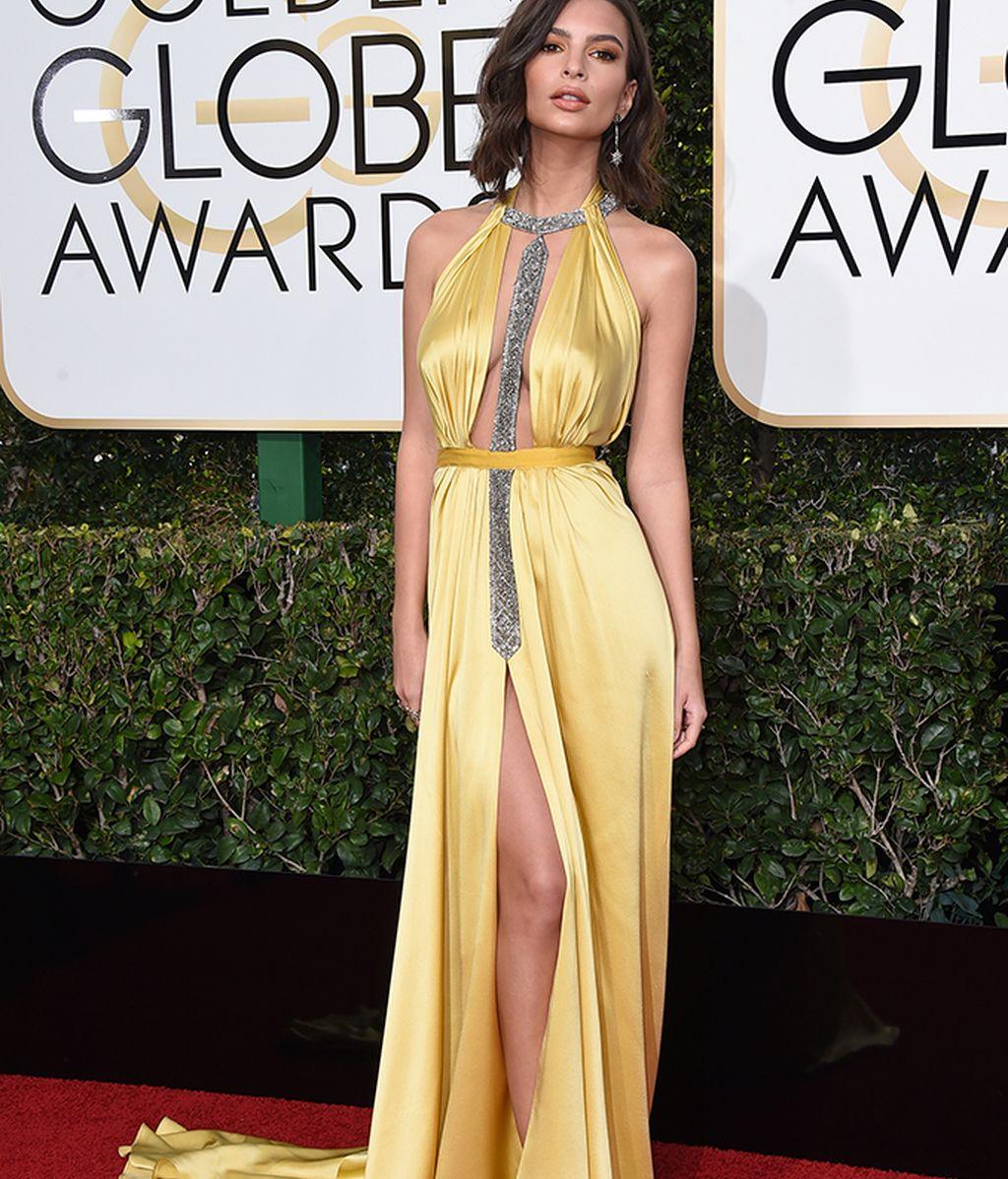 Emily Ratajkowski vestida de Reem Acra