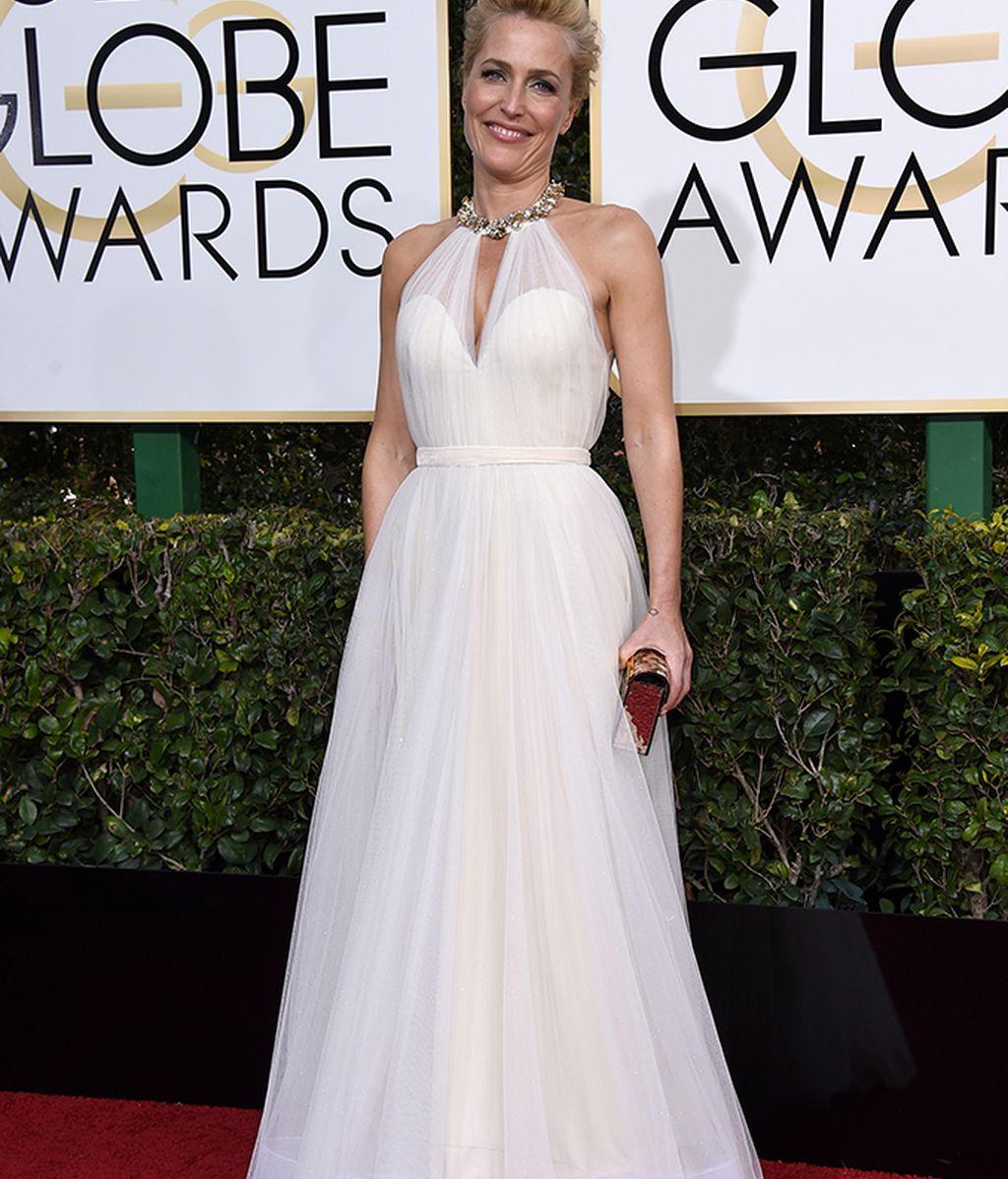 Gillian Anderson posando en la alfombra roja