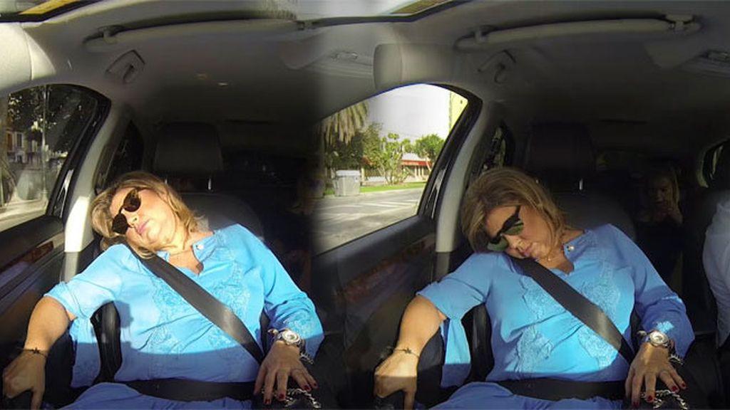 Terelu se queda dormida en el taxi y se le escapa algún que otro 'ronquidito' 😴💤