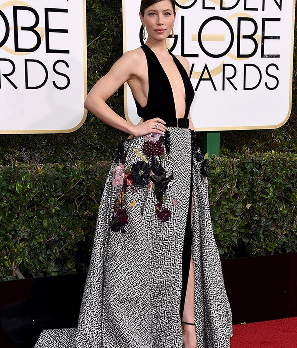 Jessica Biel vestida por Elie Saab