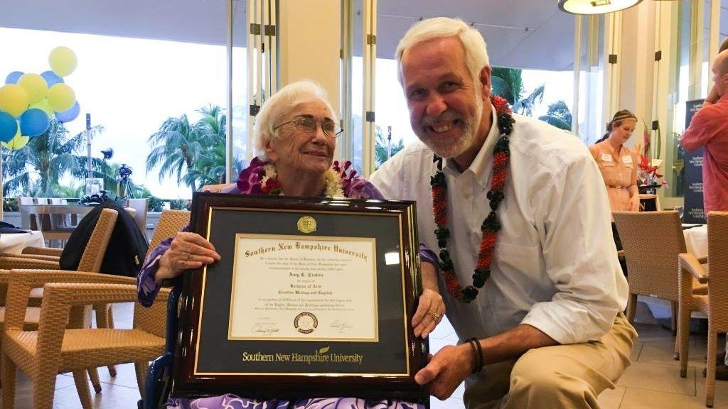 Una bisabuela de 94 años termina la universidad con una nota media de 10