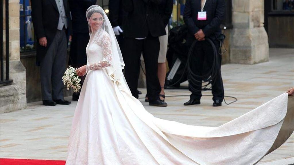 Kate Middleton llega a la abadía de Westminster, donde se celebró su boda con el príncipe Guillermo, duque de Cambridge, en Londres (Reino Unido), hoy, viernes, 29 de abril de 2011. EFE