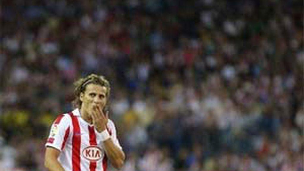"""Forlán ha dicho que es """"complicado"""" recalar en el Real Madrid. Foto: AP."""
