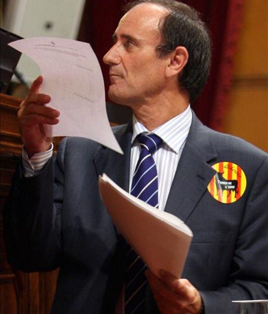 """El diputado del PP Juan Bertomeu durante su intervención en el debate de la proposición de ley de regulación de los """"correbous"""". EFE"""
