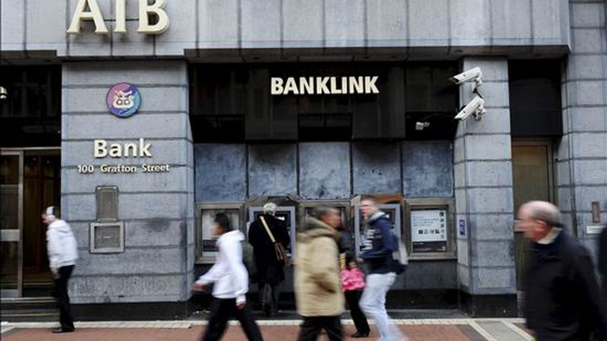 En la imagen, una sucursal del banco Allied Irish Bank en Dublin (Irlanda). EFE/Archivo
