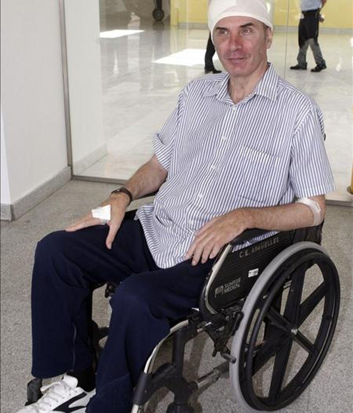 El profesor Jesús Neira en el hospital Puerta de Hierro de Majadahonda en 2009. EFE/Archivo