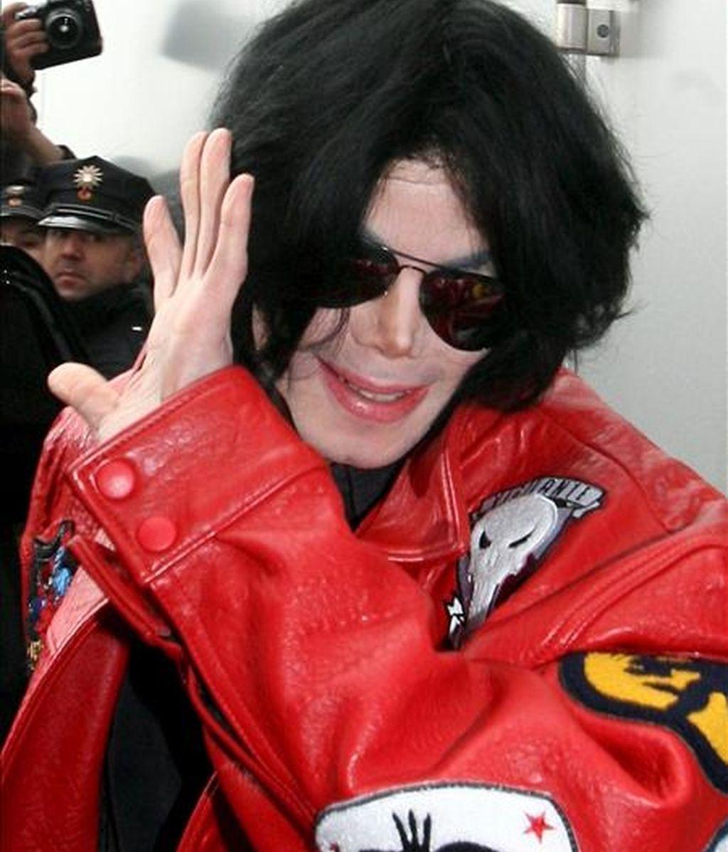 La productora estadounidense indicó que el acuerdo alcanzado con Jackson le impedía cerrar otras actuaciones hasta tres meses después de reaparecer con los Jackson Five. EFE/Archivo