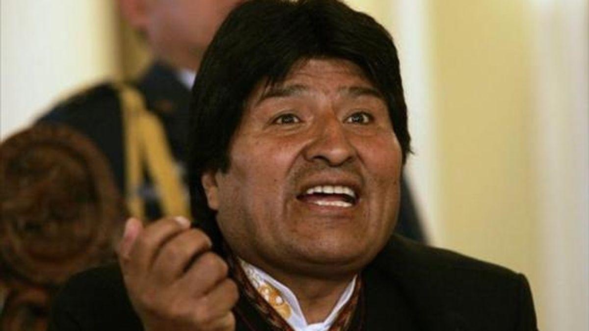 """""""Son expertos en buscar ciertas maniobras para perjudicar a los bolivianos. Con algunas amenazas, algunos parlamentarios y ministros (peruanos) quieren acallarnos. No nos callamos"""", dijo Morales. EFE/Archivo"""