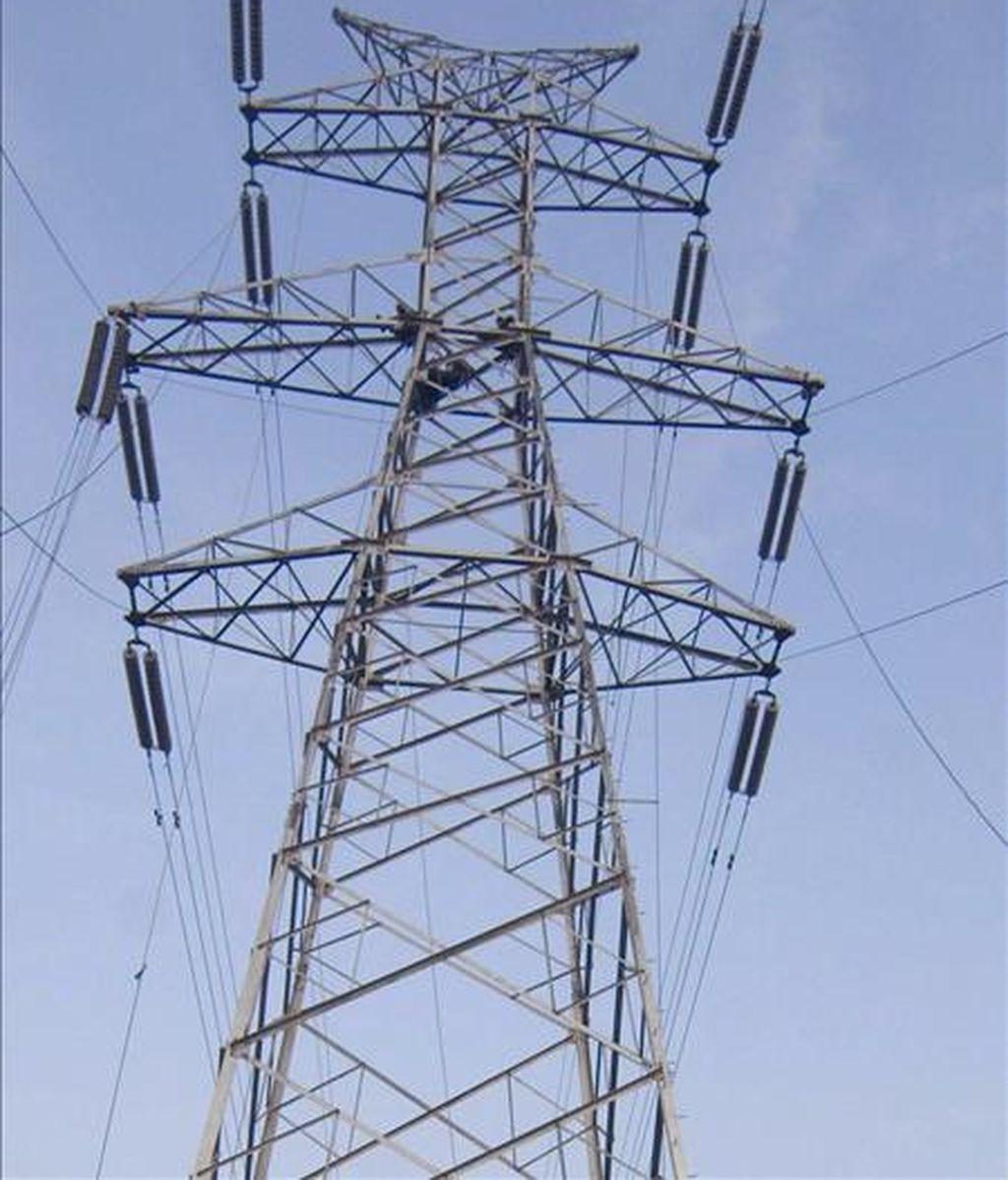 En la imagen, una torre de electricidad. EFE/Archivo