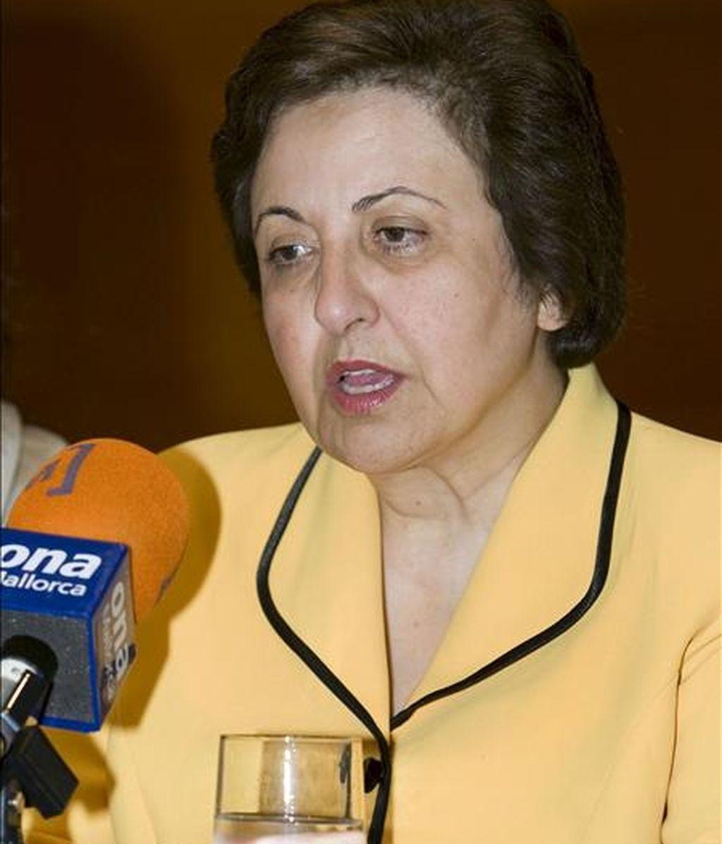 La Nobel de la Paz del 2003 Shirin Ebadi, durante la rueda de prensa que ha ofrecido esta tarde en la capital balear, con motivo de la conferencia que pronunciara esta noche- EFE