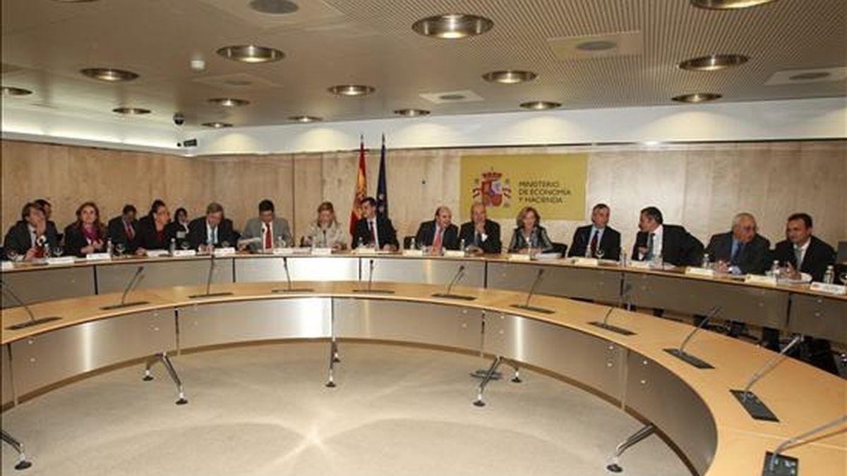 Vista general de la reunión del Consejo de Política Fiscal y Financiera, presidido por la vicepresidenta segunda y ministra de Economía y Hacienda, Elena Salgado, hoy en Madrid. EFE