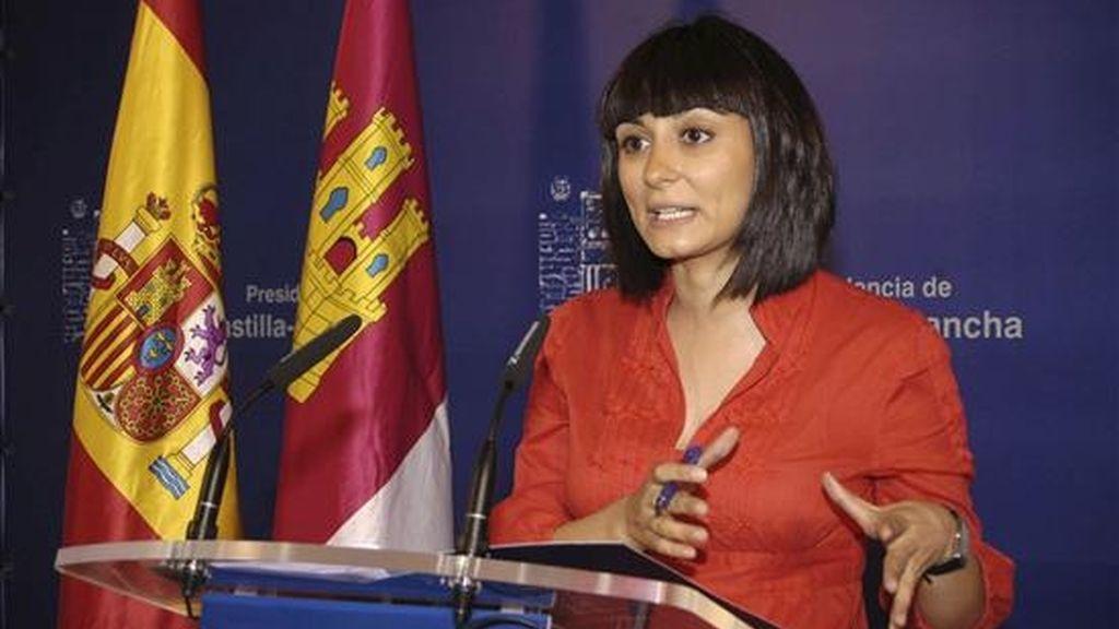 La portavoz del Ejecutivo regional, Isabel Rodríguez, informa sobre los acuerdos adoptados por el Consejo de Gobierno de Castilla-La Mancha en su última reunión. EFE
