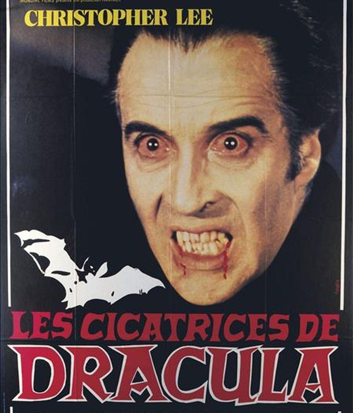 Cartel de una película sobre Drácula expuesto en el Museo Nacional de Arte en Bucarest. EFE