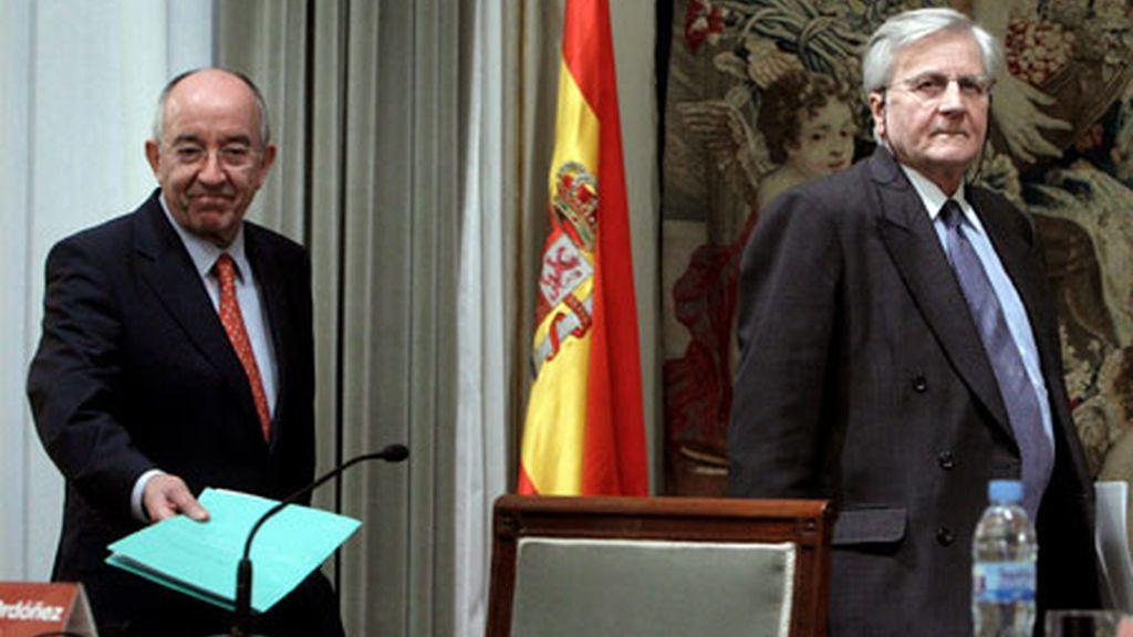 Jean Claude Trichet y el gobernador del Banco de España, Miguel Fernández Ordóñez, durante la conferencia de prensa conjunta celebrada en Madrid. Foto: EFE.