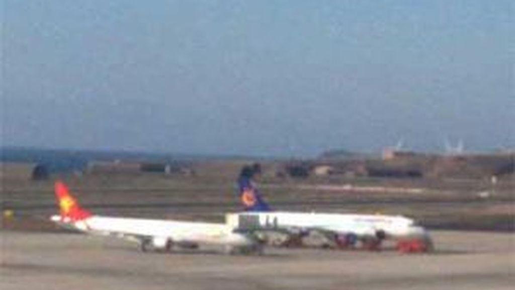 El avión regresó al aeropuerto a los 10 minutos por un fallo en el motor. Vídeo: Atlas
