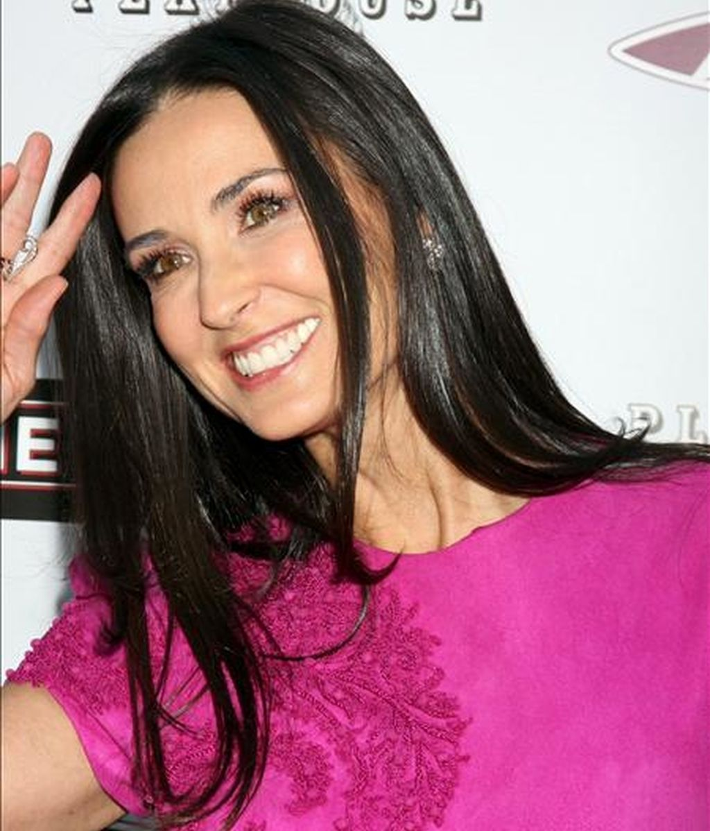 "La actriz estadounidense Demi Moore sonríe a su llegada a la presentación de su película ""The Joneses"" en el cine Archlight Hollywood de Los Angeles, California (Estados Unidos). Moore declará el lunes en Melbourne contra la revista ""New Idea"". EFE/Archivo"
