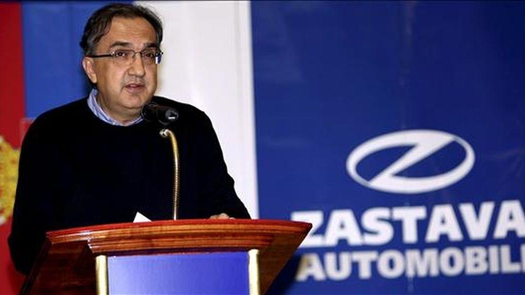 En la imagen del pasado año, el CEO del grupo Fiat y grupo Fiat Automoviles Sergio Marchionne habla durante una ceremonia en Belgrado, Serbia. EFE/Archivo