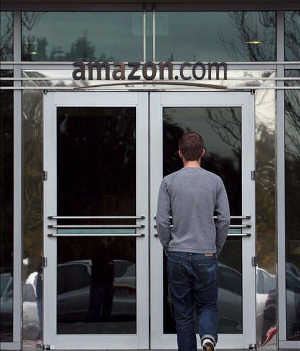 Para el próximo trimestre, Amazon.com prevé ingresar entre 4.300 y 4.750 millones de dólares, lo que supondría un incremento de entre el 6% y el 17% respecto a un año antes. EFE/Archivo